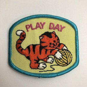 Girl Scout Patch 1990s Play Day With Cat and Yarn